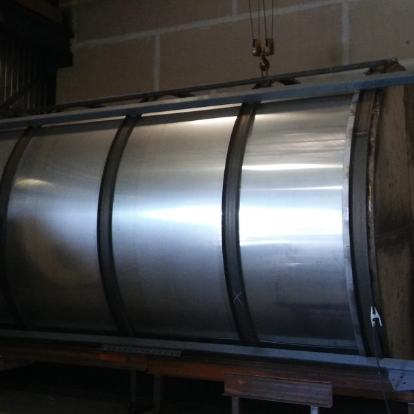 19,500 Gallon 316L Stainless Steel Vertical Tank 12'8″ Dia x 21′ Straight Side