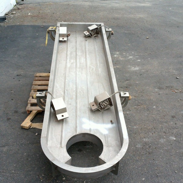 24″ Wide x 102″ Long Vibrating Conveyor Cable Suspended