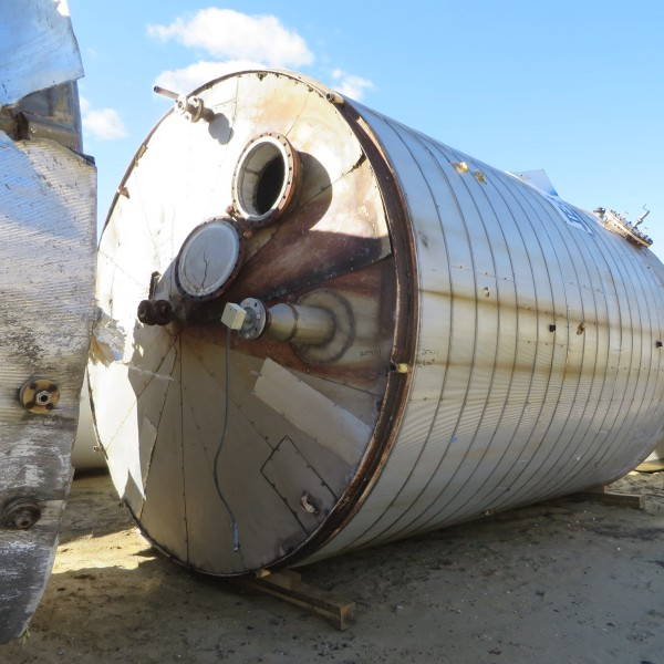 15,200 Gallon 304 Stainless Steel Vertical Tank, 12′ Dia. X 18′ Straight Side