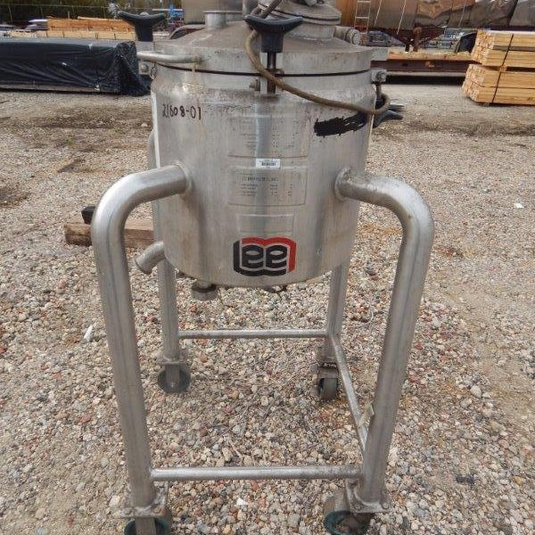 Approximately 8 Gallon (30 Liter) Portable Stainess Steel Mixing Vessel