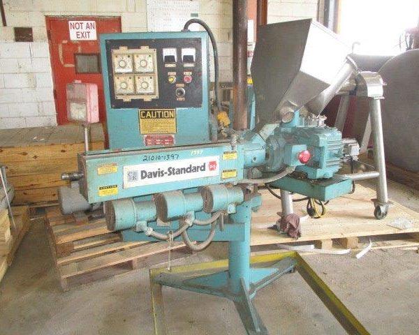 1.25″ Davis Standard Extruder, 24/1 L/D 3-Zone Air Cooled