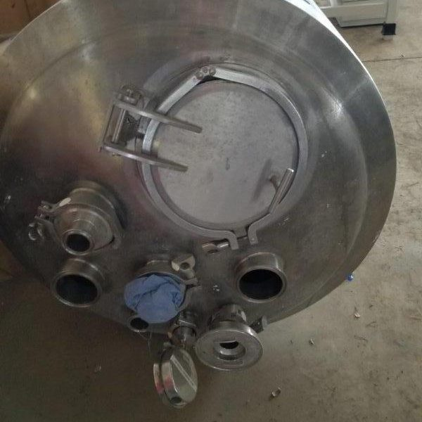Approximately 25 Gallon (100 Liter) Stainless Steel VerticalTank