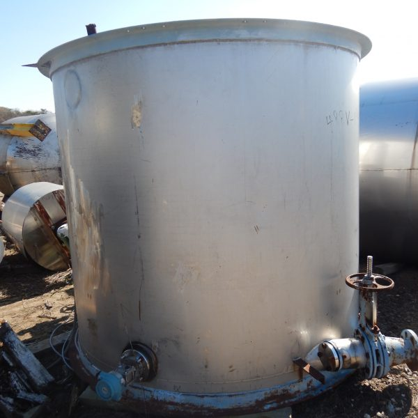 1,700 Gallon Stainless Steel Vertical Tank, 88″ Dia. X 72″ High