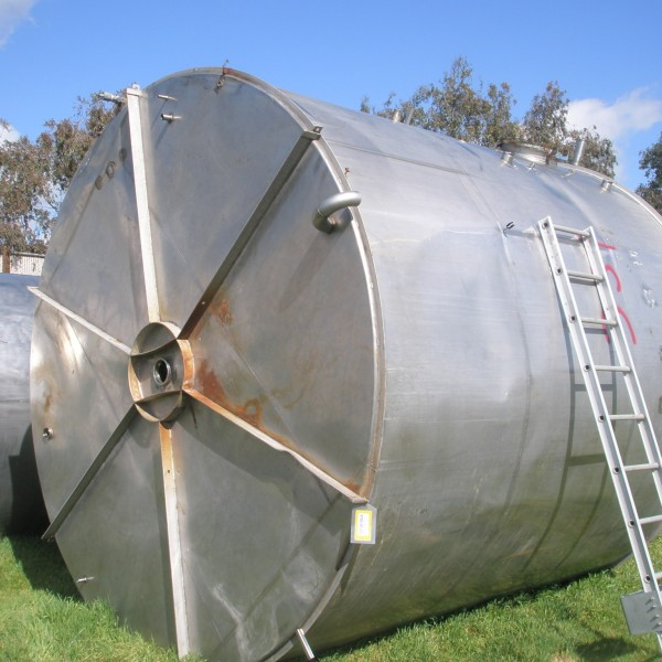 10,000 Gallon Stainless Steel Tank, 11'6″ Dia. X 12′ Straight Side