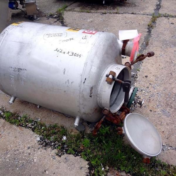 100 Gallon 304 Stainless Steel Vertical Tank, 30″ Dia. X 30″ Straight Side, Lightnin Agitator