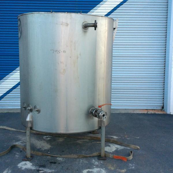 "500 Gallon Stainless Steel Vertical Tank, 4'9″ Dia. X 4'10"" Straight Side, Lightnin Agitator"