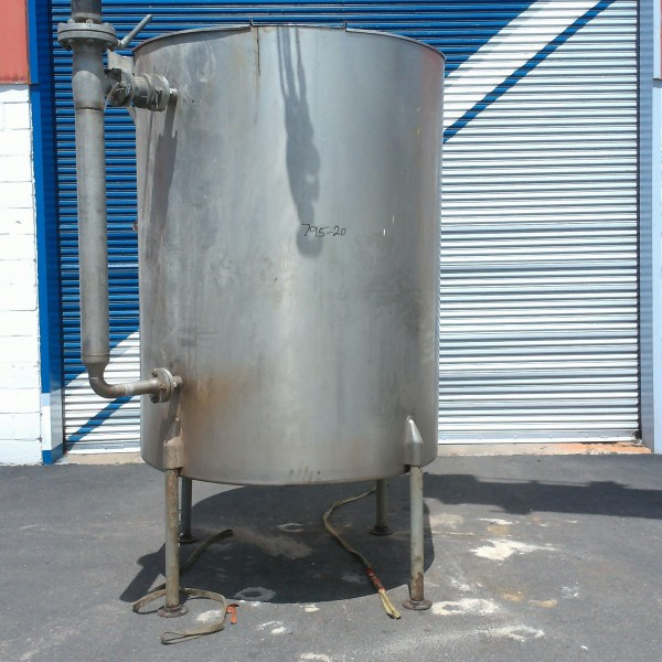 800 Gallon Vertical Stainless Steel Tank, 4'8″ Dia. X 6'6″ Straight Side