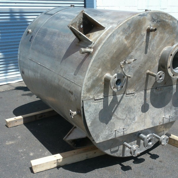 500 Gallon Stainless Steel Vertical Tank, 4′ Dia. X 5′ Straight Side