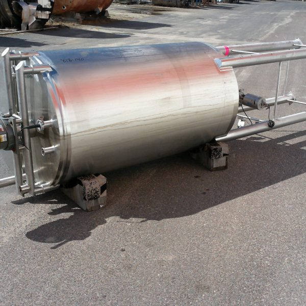 500 Gallon Stainless Steel Vertical Tank