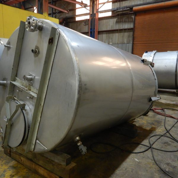 1300 Gallon Stainless Steel Tank 5'4″ Dia. X 8′ Straight Side