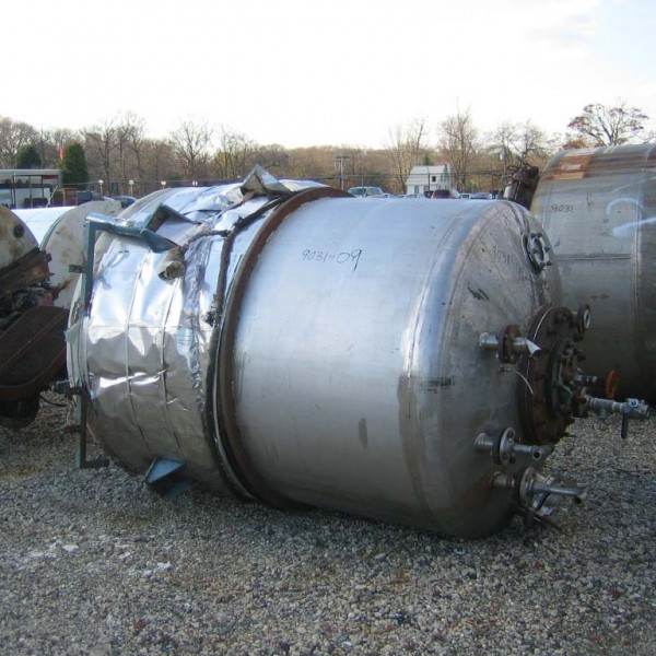 "900 Gallon Stainless Steel Vertical Tank, 5′ Dia. X 5'10"" Straight Side"