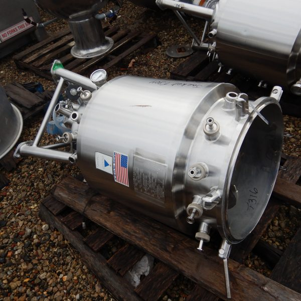 150 Liter 40 PSI Internal, 60 PSI Jacket 316 Stainless Steel Process Vessel/Fermenter