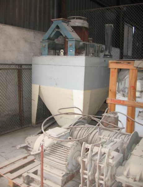 90 KW Clavijo (Spain) Model MTC-125 Carbon Steel Vertical Hammer Mill