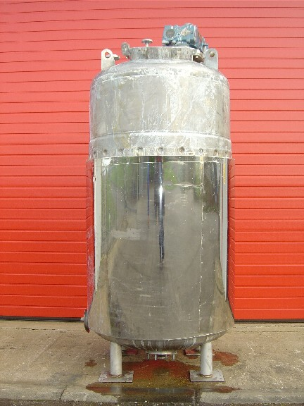 1,700 Litre 316 Stainless Steel Vertical Reactor