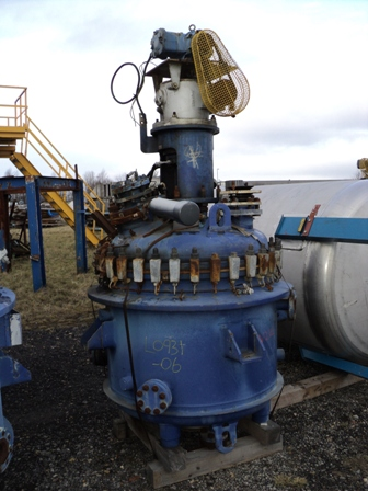 450 Litre, 2 Bar/Full Vacuum Internal, 5/4 Bar Jacket, Cannon Vertical Glass Lined Reactor
