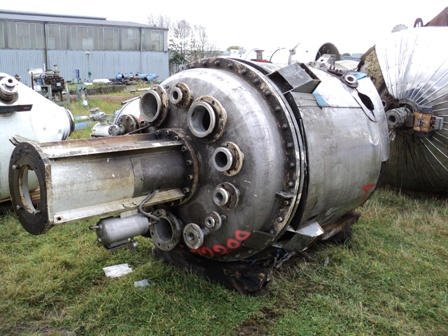 2,000 Litre 316L Stainless Steel Vertical Pressure Vessel
