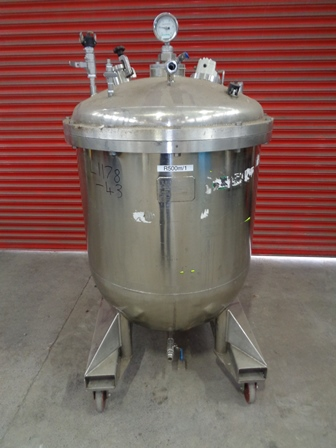 575 Litre Stainless Steel Vertical Vessel