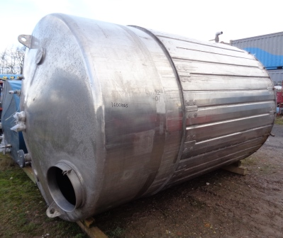 11000 Litres Stainless Steel Vertical Jacketed Storage Vessel
