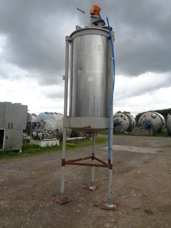 1,700 Litre Stainless Steel Vertical Mixing Vessel