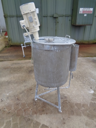 100 Litres Stainless Steel Vertical Mixing Vessel