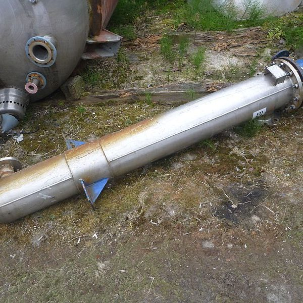 6 Sq. M. Flamencourt & Cie S.A. Vertical Shell and Tube Heat Exchanger