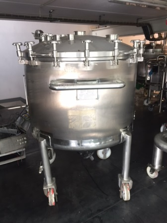 800 Litre Sapphire Engineering 316L Stainless Steel Vertical Mixing Vessel
