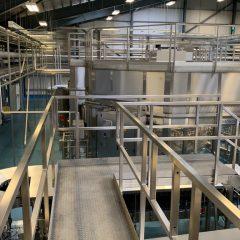 Glass Bottle Filling Line with Capacity 46,000 Bottles / Hour