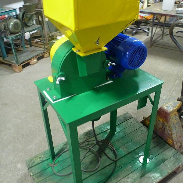 Second hand turbo mill by MLYNPOL with motor 3 kW