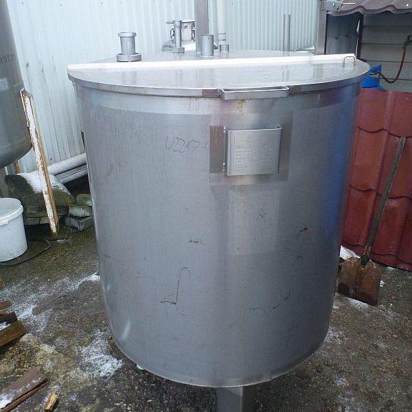700 Liters Stainless Steel Vertical Storage Tank