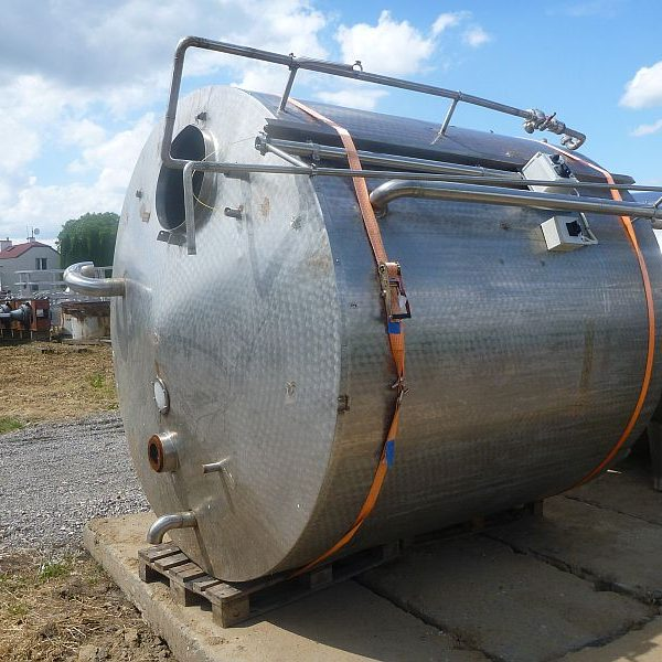 Vertical stainless steel storage tank with volume 7500 l insulated walls