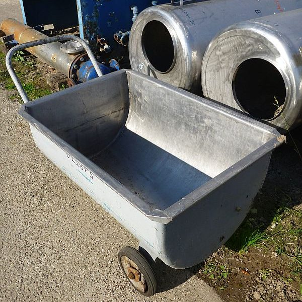 250 l stainless steel mobile rectangular storage tank