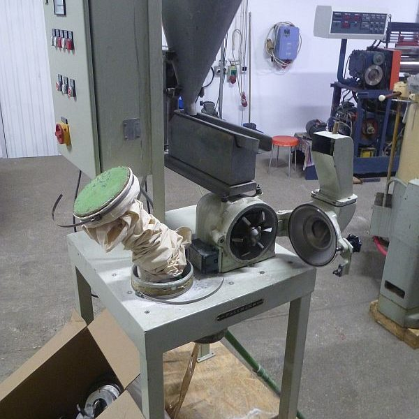 Used grinding mill by Pallmann model REF L18