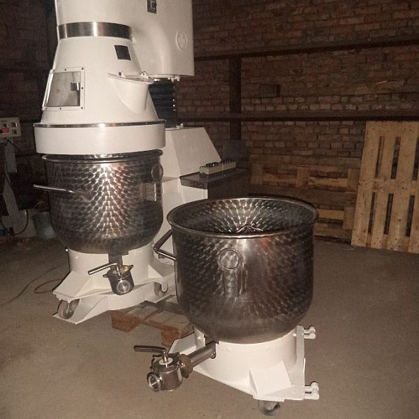 58 Gallon 4 HP RNK Stainless Steel Planetary Mixer