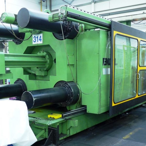600 - 2000 Ton Injection Molders