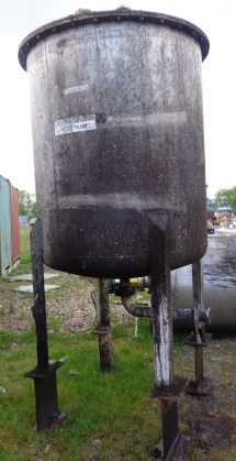 2300 Litres Stainless Steel Vertical Storage Vessel