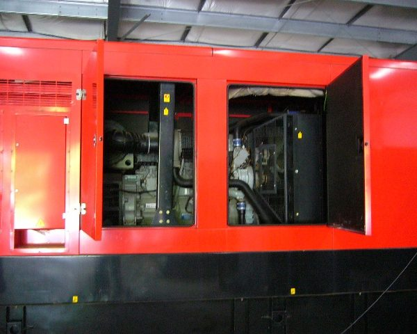 565 kW 480 V 60 Hz Perkins Diesel Electric Generating Plant