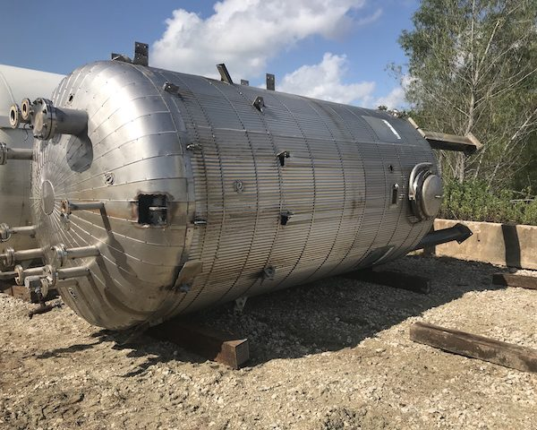 6,000 Gallon 304L Stainless Steel Vertical Feed Tank, 8′ Dia. X 16′ Straight Side
