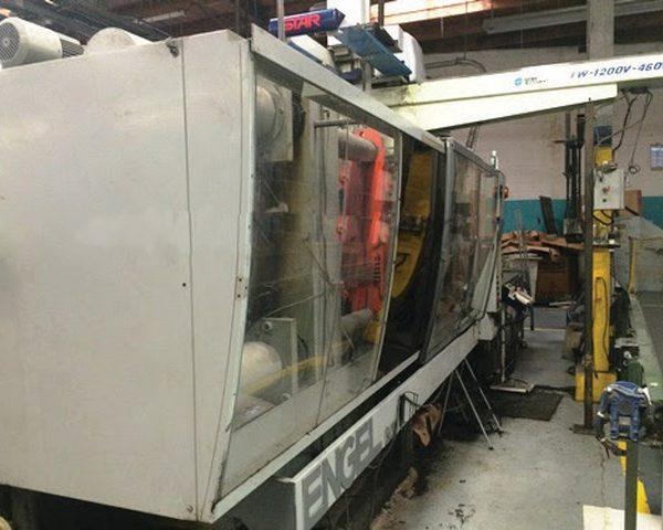 500 Ton 64 oz Shot, Engle Injection Molding Machine